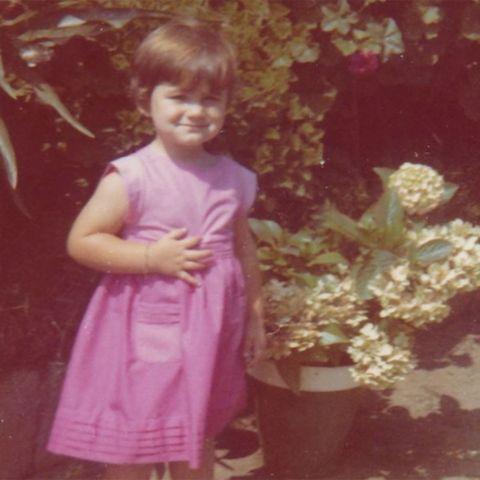 carlota corredera comparte una foto de su infancia con la que hace una clara  declaración de intenciones