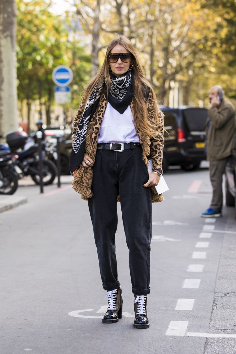 5 Black Jean Outfit Ideas to Get You Out of That Denim Style Rut