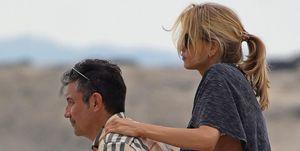 Carmen Jordá con un amigo en Ibiza