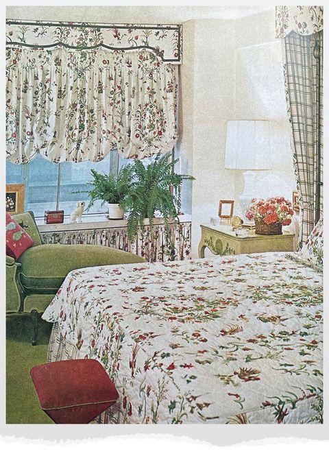 bedroom based on carnation