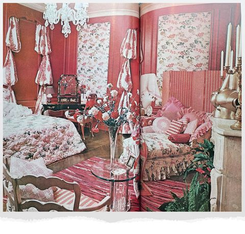 bedroom in pinks and reds