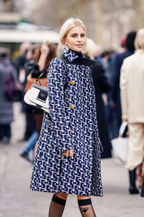 Clothing, Street fashion, Fashion, Fashion model, Coat, Outerwear, Footwear, Snapshot, Electric blue, Shoulder,