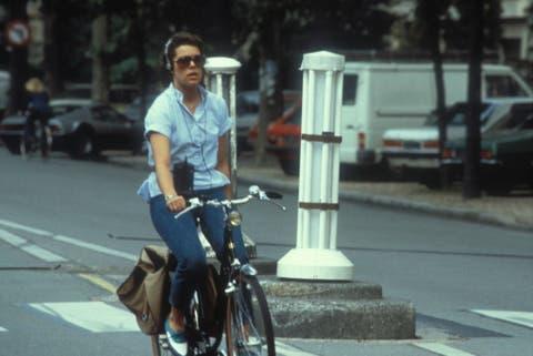 caroline de monaco à vélo dans les années 1980
