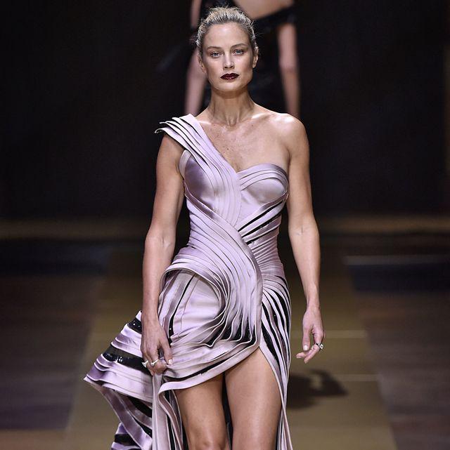 atelier versace  runway   paris fashion week   haute couture fallwinter 2016 2017