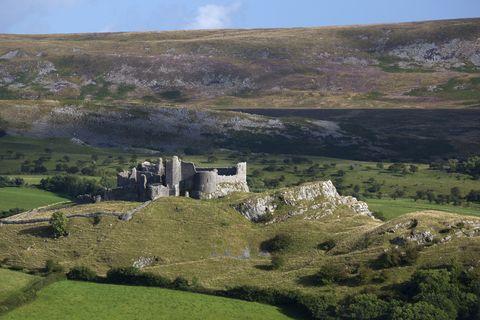 Carreg Cennen castle - Brecon beacons