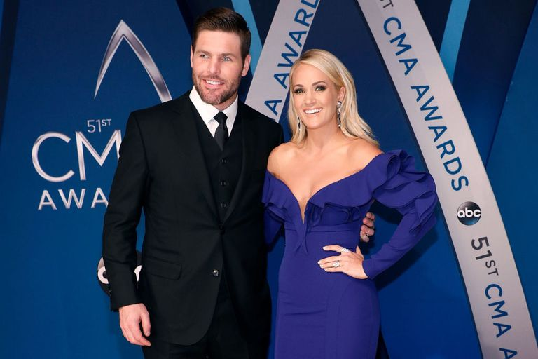 Carrie underwood husband mike fisher who is carrie for Carrie underwood husband mike fisher