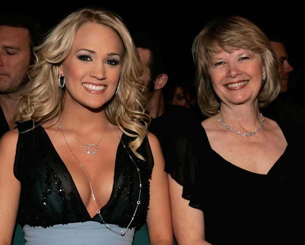 Carrie Underwood's Mom Rapped During Her Concert and Honestly, You Need to See It