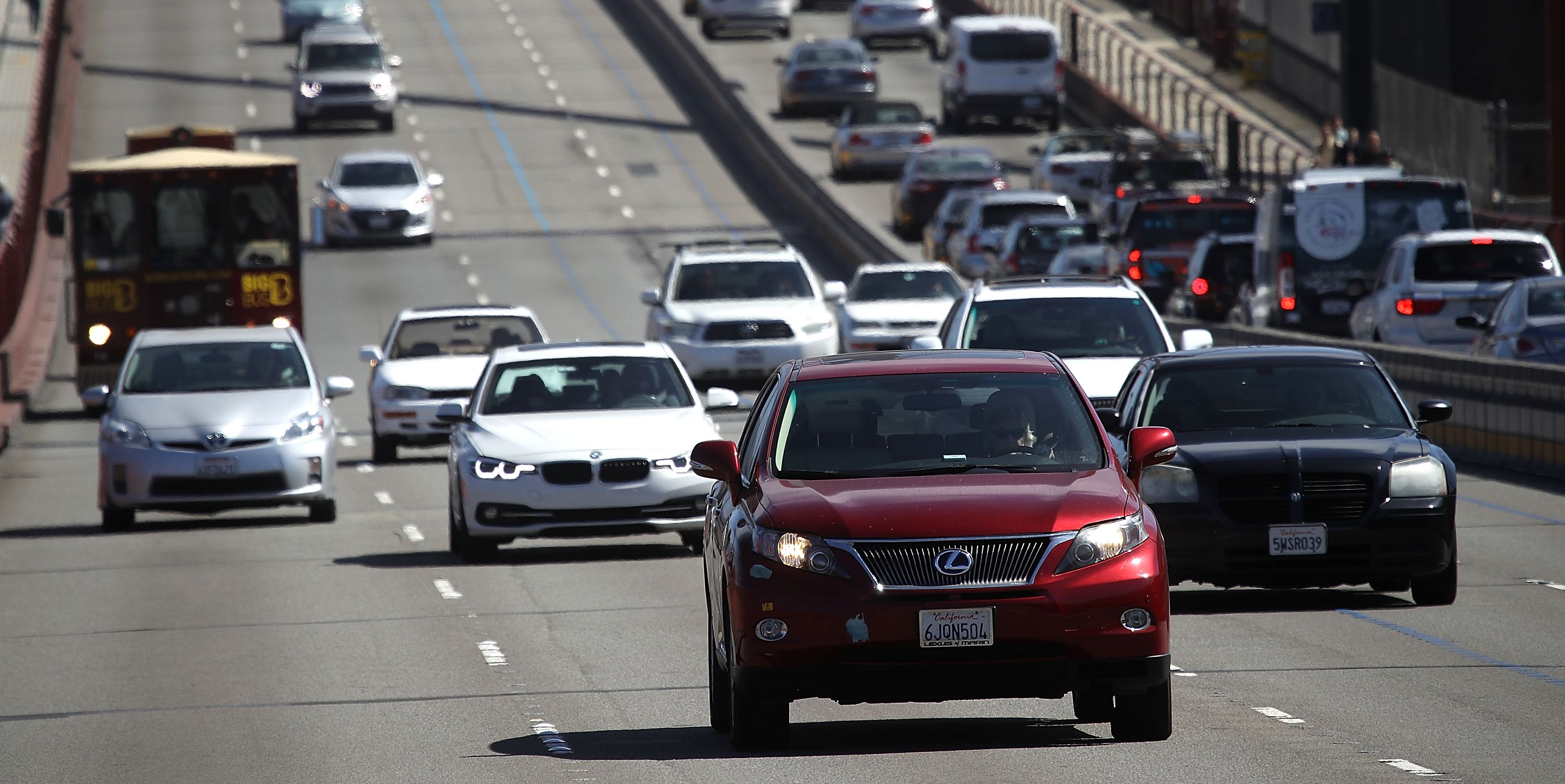 White House Drops Talks with California, Aims to Finalize Looser Fuel-Economy Rules This Year