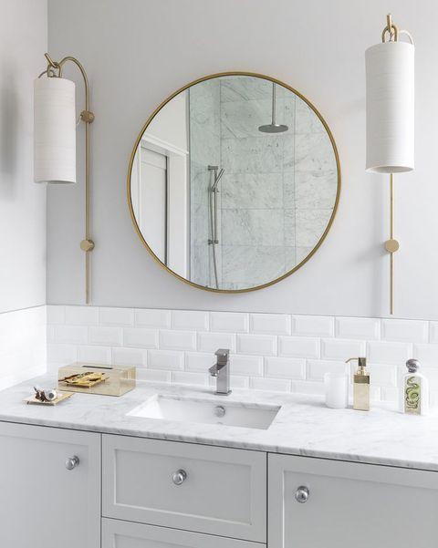 cuartos de baño blancos
