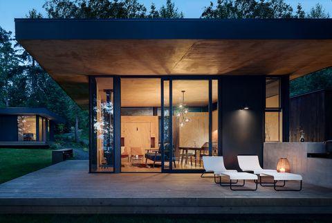 casa de arquitectura moderna en el bosque