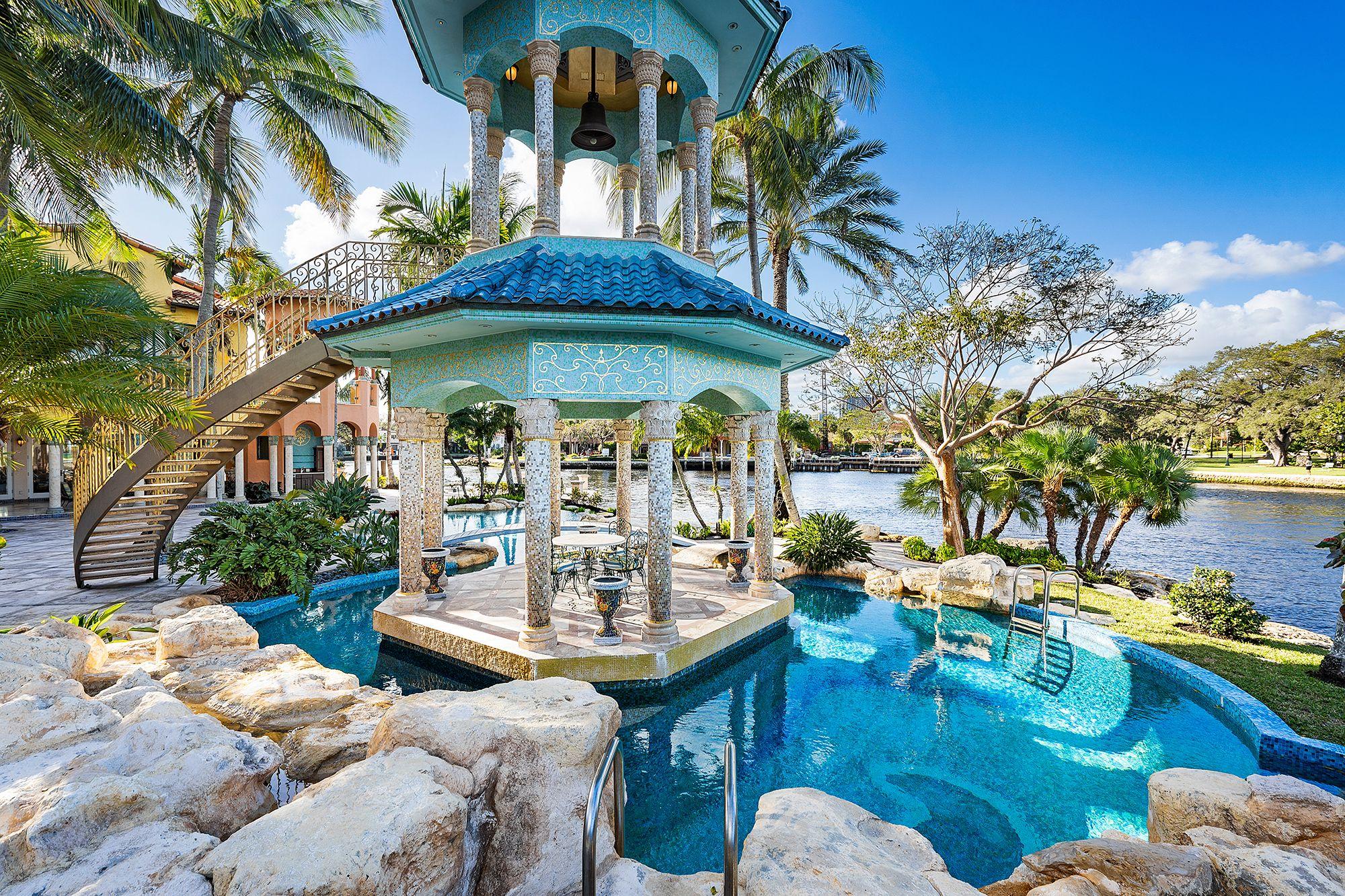 La casa del fundador de Blockbuster en Florida sale a subasta