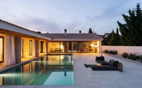 Casa de campo con terraza y piscina en Valencia