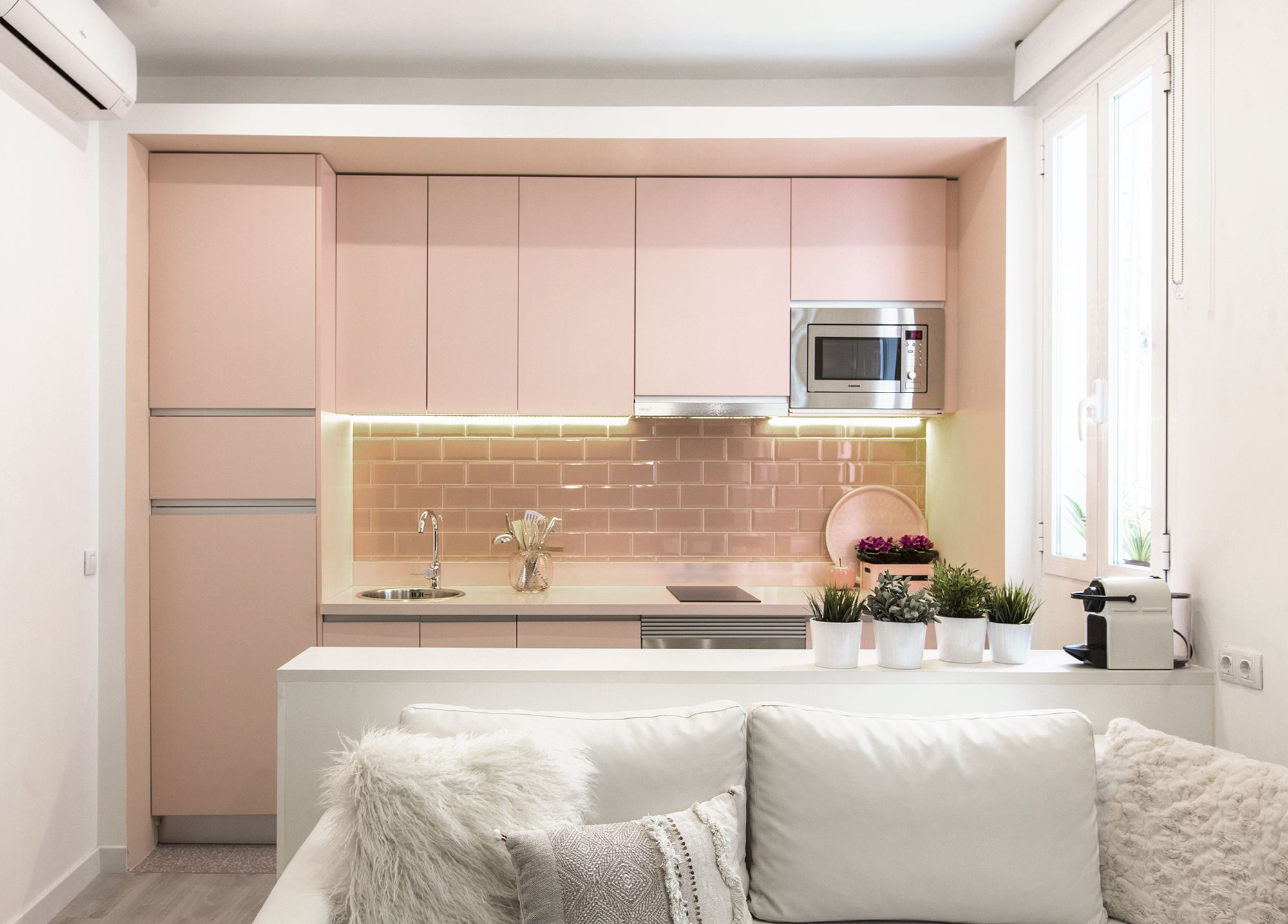 Casa diseñada con cubos de colores en Lavapiés