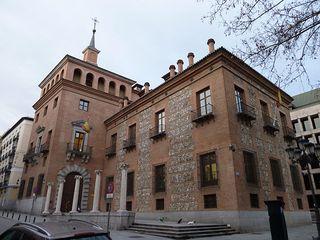 Casa de las Siete Chimeneas en Madrid