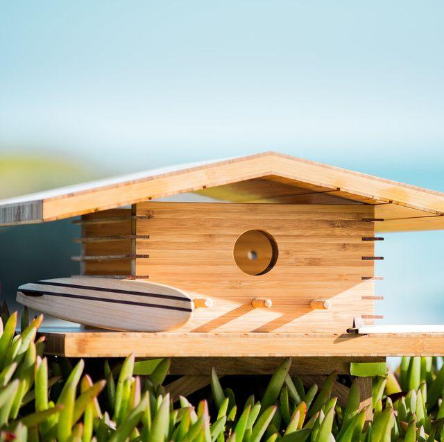 casa de pájaro de madera de inspiración surfera