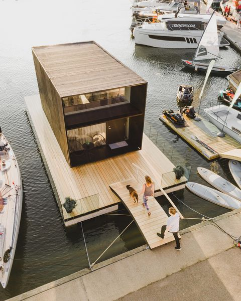 Casa flotante moderna