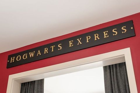 Camera Da Letto Stile Harry Potter : Devi partire per edimburgo cè la casa a tema harry potter