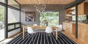 Casa de SHED Architecture de mediados de siglo rehabilitada para una familia moderna