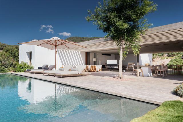 casa en ibiza alquiler vacacional lujo jardín piscina