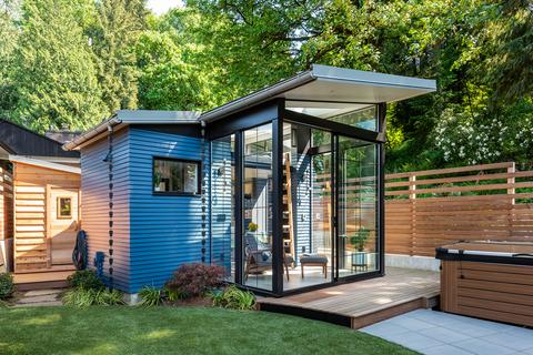 Casa modular en el jardín