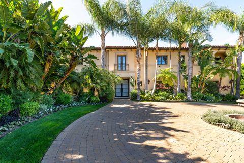así es la casa de Kaley Cuoco en Los Angeles