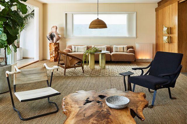 casa en malibú años 50 kelly wearstler salon con vistas decorado natural