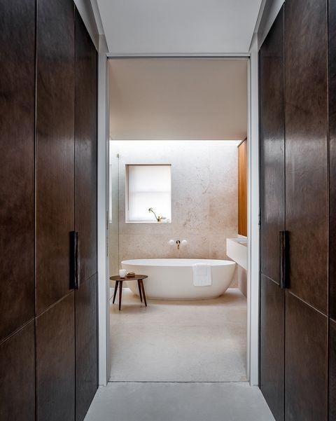 una mews house de londres renovada con diseño, luz natural y naturaleza