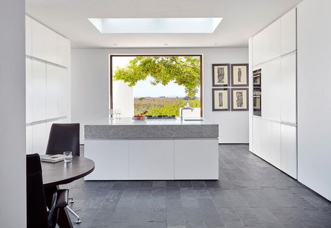 Floor, Interior design, Property, Architecture, Wall, Room, Flooring, Table, Ceiling, Fixture,