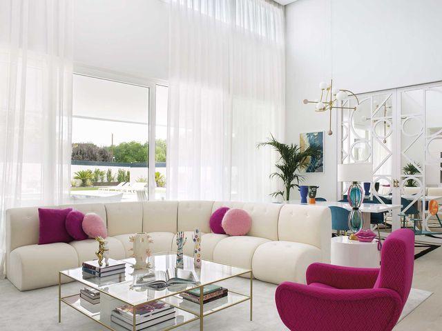la casa de paula echevarría salón blanco y rosa