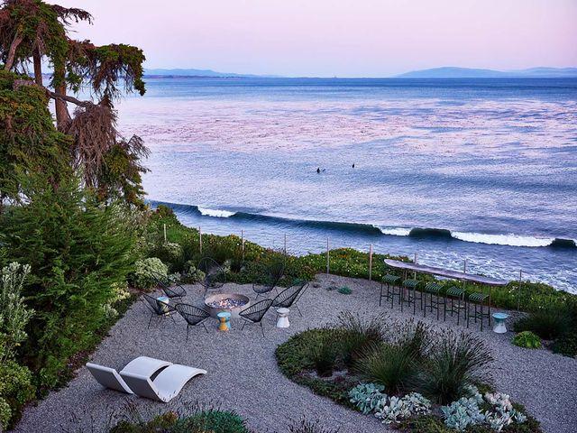 casa en la playa estilo cabaña surfera en california