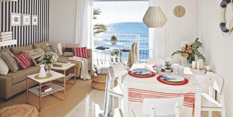 un apartamento con vistas al mar en sitges