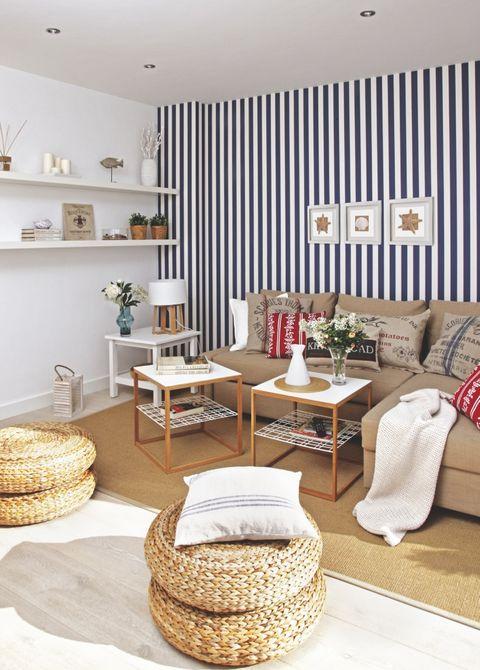 un apartamento con vistas al mar en sitges salón