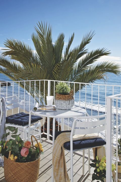 un apartamento con vistas al mar en sitges terraza