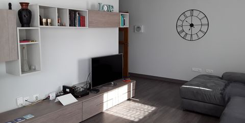 Room, Living room, Interior design, Property, Furniture, Floor, Wall, Building, House, Table,