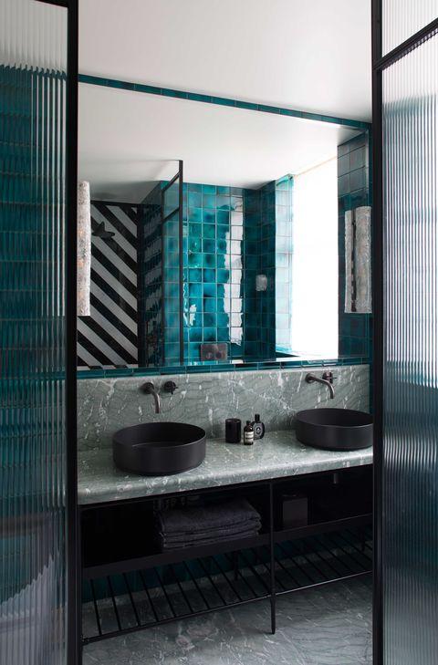 Tendencia: 20 baños modernos con grifos negros