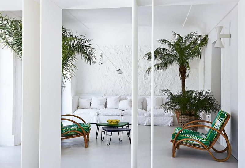 Be It An Old Palace, A Newly Built House Or A Contemporary Loft, Total  White Interiors Are The Ultimate Must