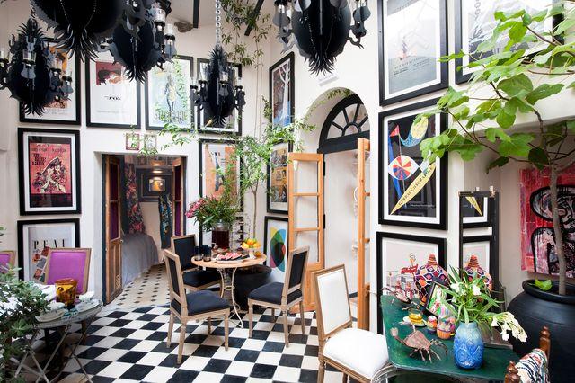 una casa de estilo andaluz con patio y azotea en vejer de la frontera