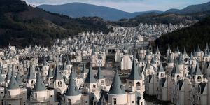 Mini castillos abandonados en Turquía