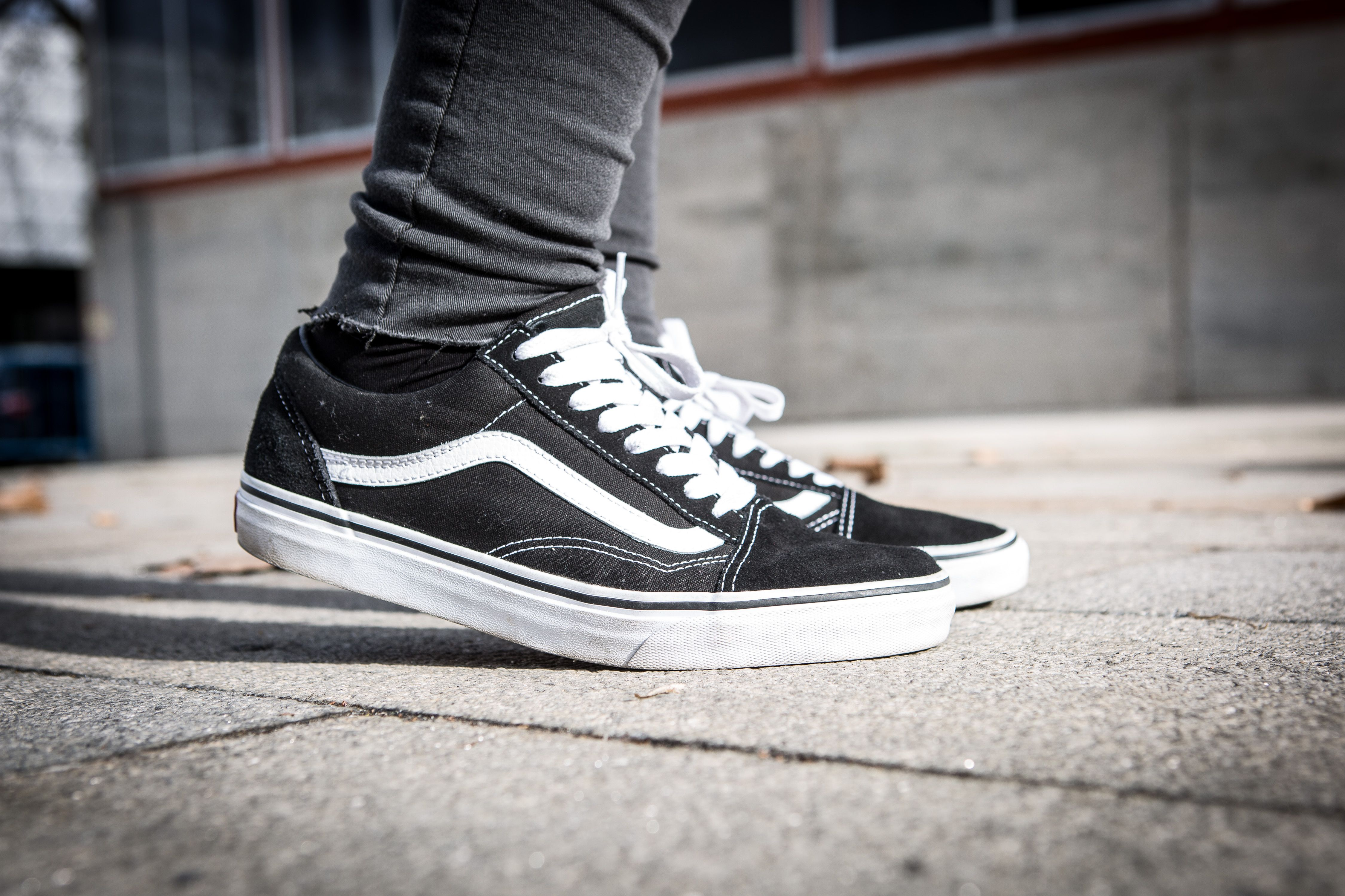 conciencia Sillón Naufragio  Vans is suing Primark for selling 'copies' of its iconic skateboard trainers