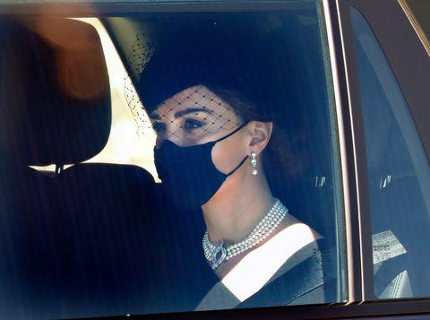 凱特王妃戴珍珠項鍊藏有關菲利普親王的小故事?不僅致敬女王與黛妃,還有對菲利普親王的思念!