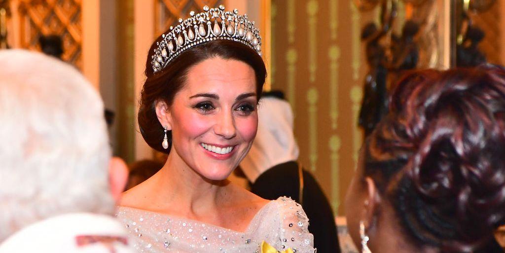 fa86e4d5c9 Kate Middleton brilla con la tiara favorita de Diana de Gales - Kate  Middleton