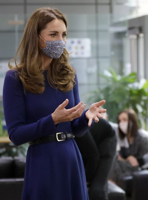 the duchess of cambridge visits tommy's research centre