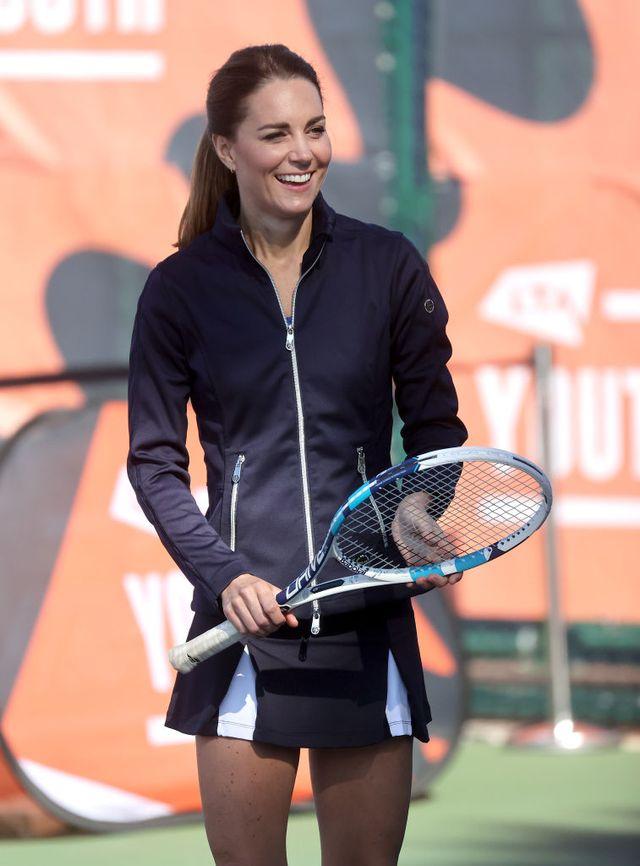 テニスをするキャサリン妃