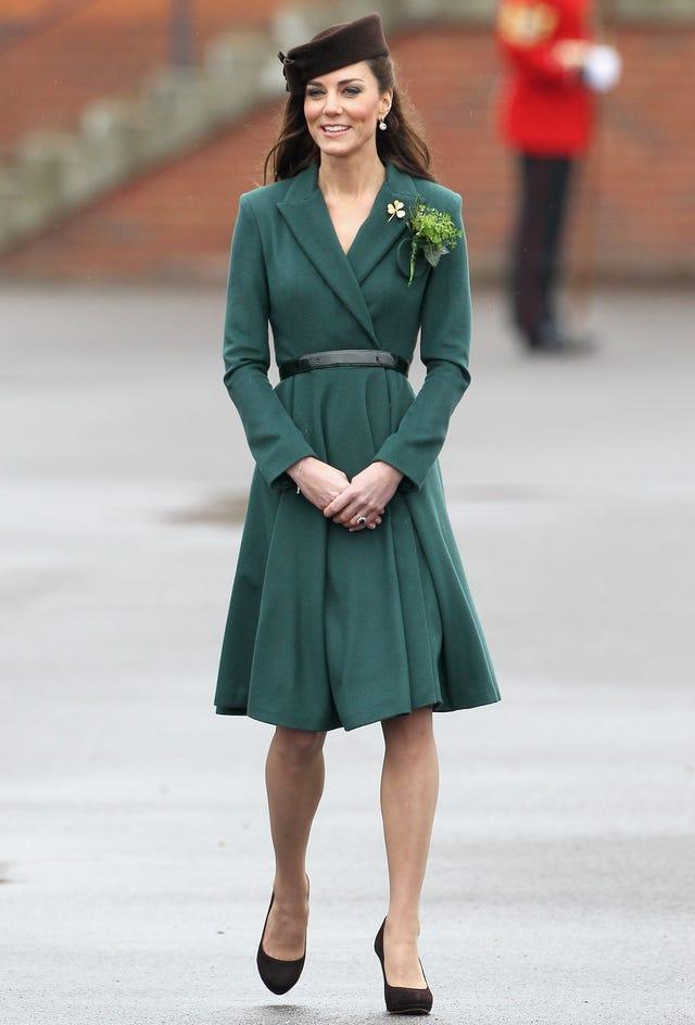 kate middleton traje chaqueta verde