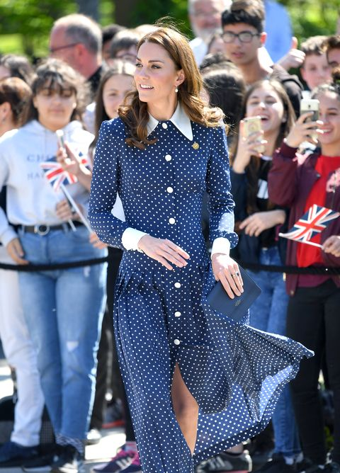 check out 5c74d 6aa18 Kate Middleton look, l'abito a pois di Alessandra Rich: ecco ...
