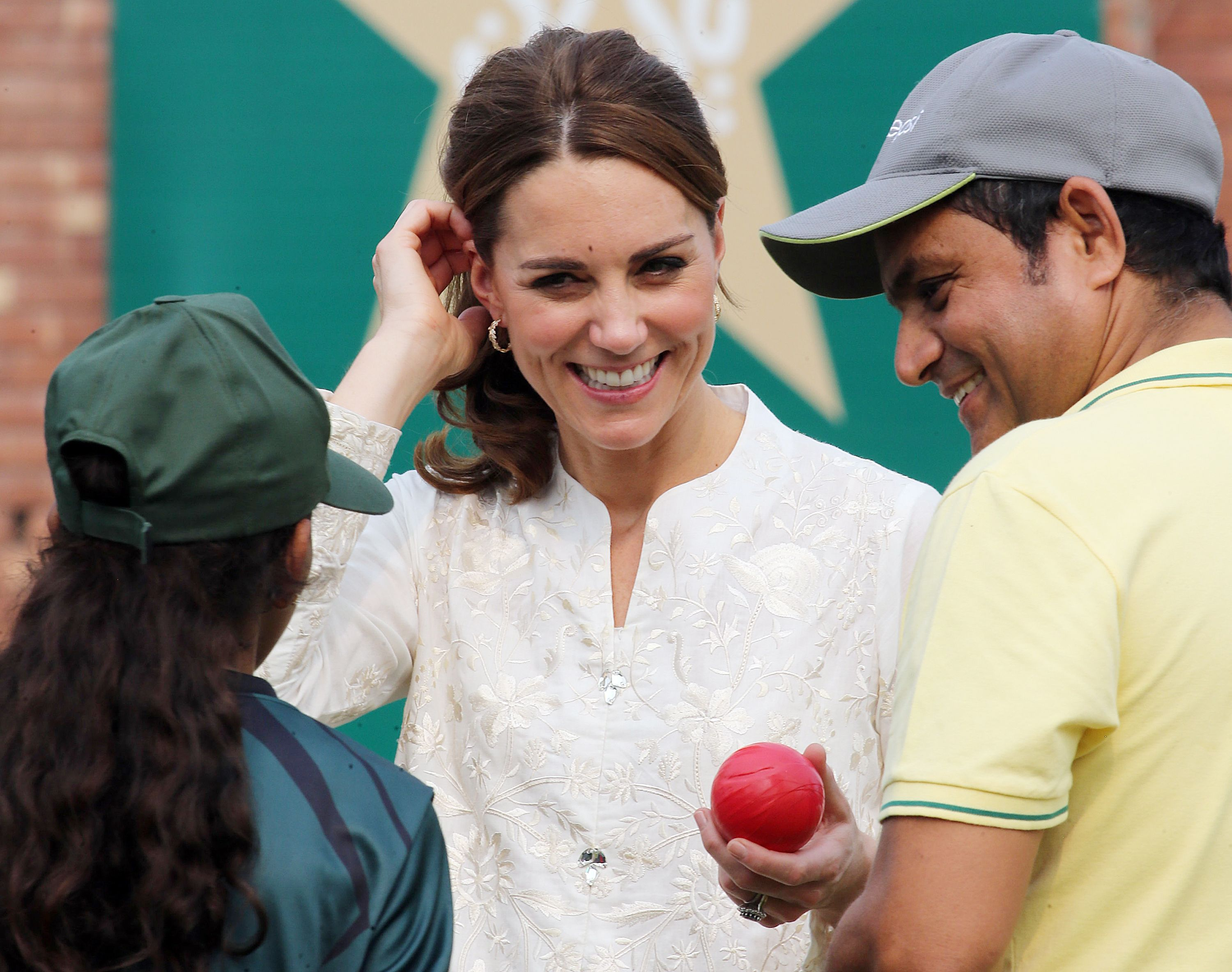 Kate Middleton dazzles in white for Lahore trip