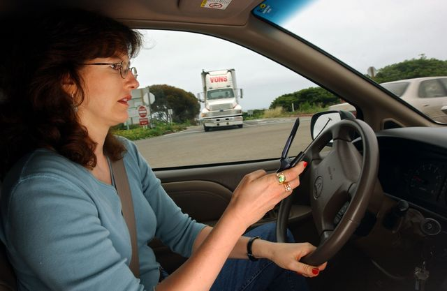 california may crackdown on drivers with cell phones