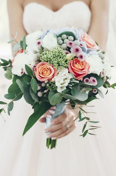 Wedding bouquet - Bad Wedding Etiquette
