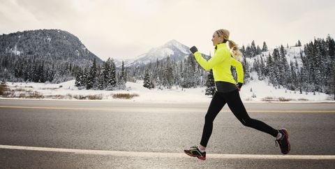 2d49d9f551ae64 7 Thermal Leggings That Make Freezing Outdoor Runs Way More Bearable
