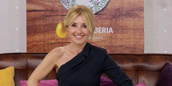 Cayetana Guillén Cuervo Cena Con Mamá En La 1 Me Desnudo Como